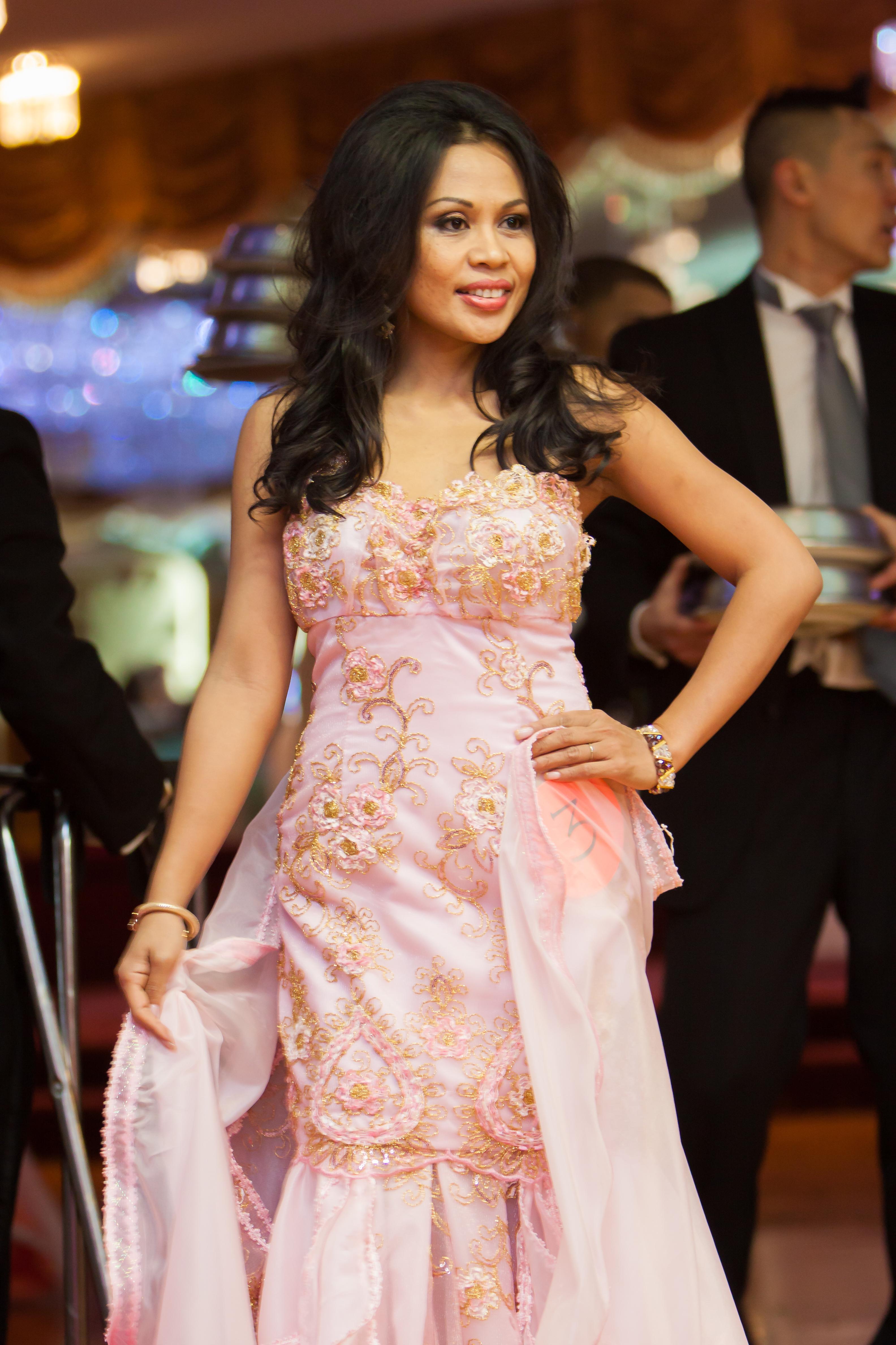 Mrs_Philippines_USAtm_2014174