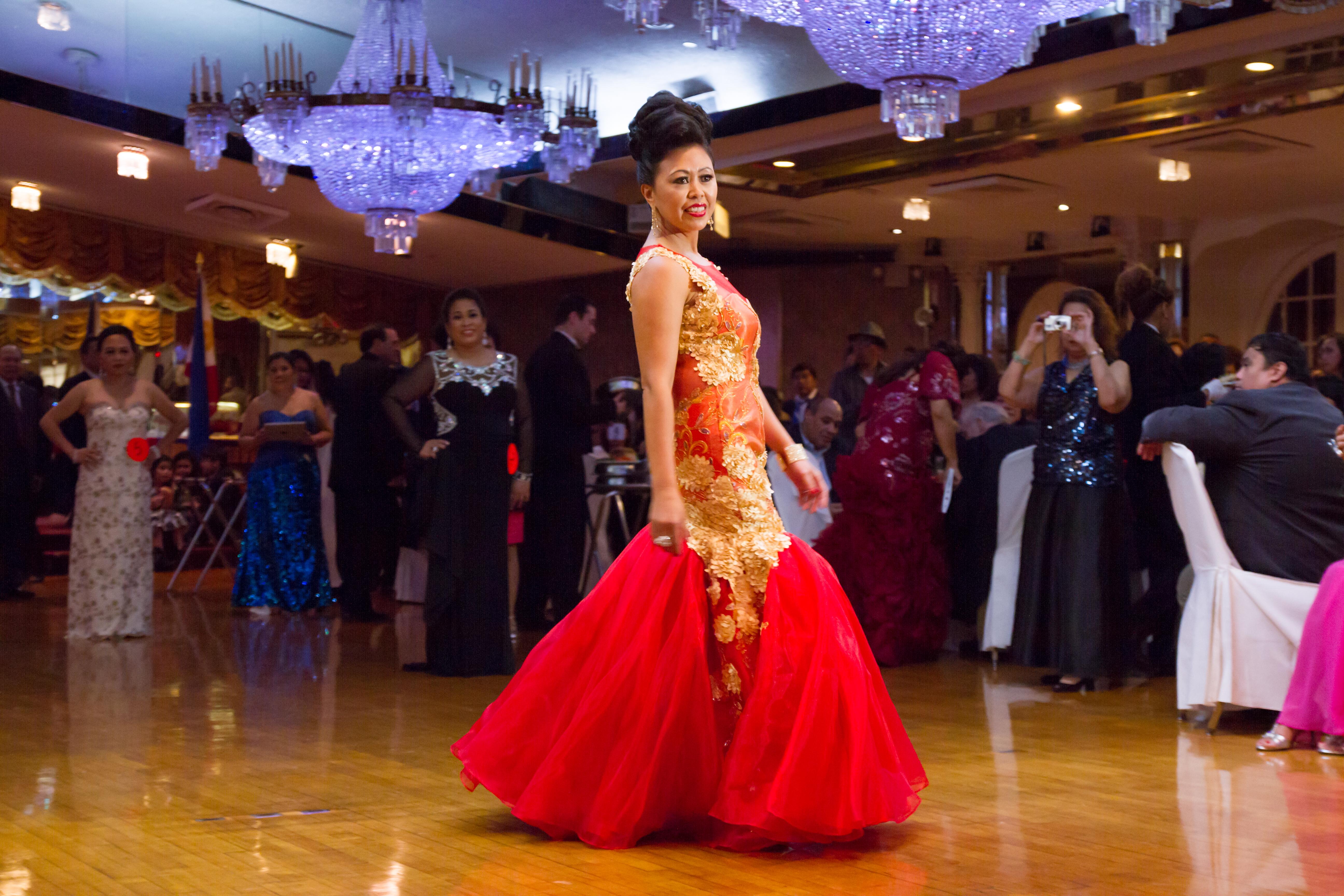 Mrs_Philippines_USAtm_2014187