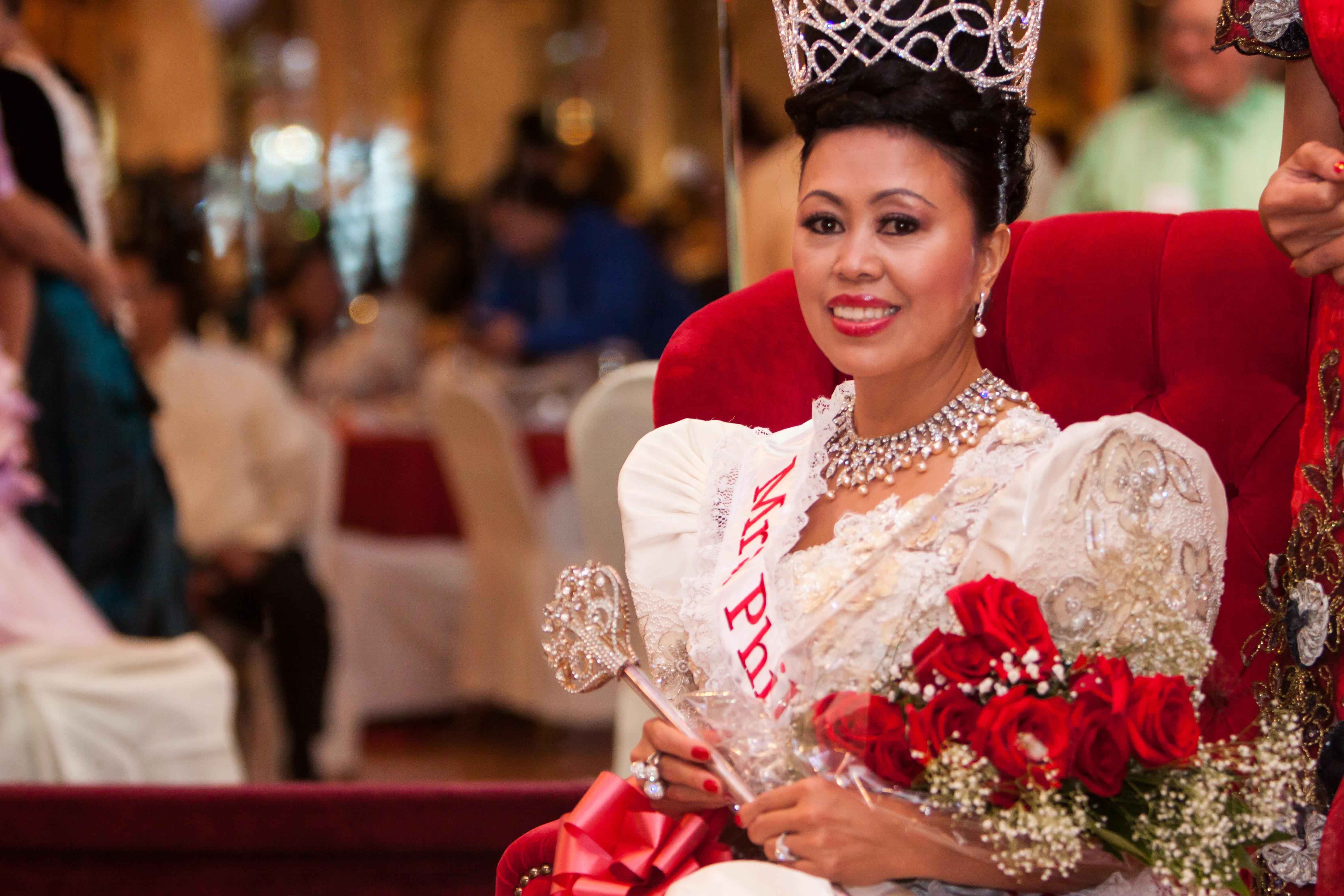 Mrs_Philippines_USAtm_2014403