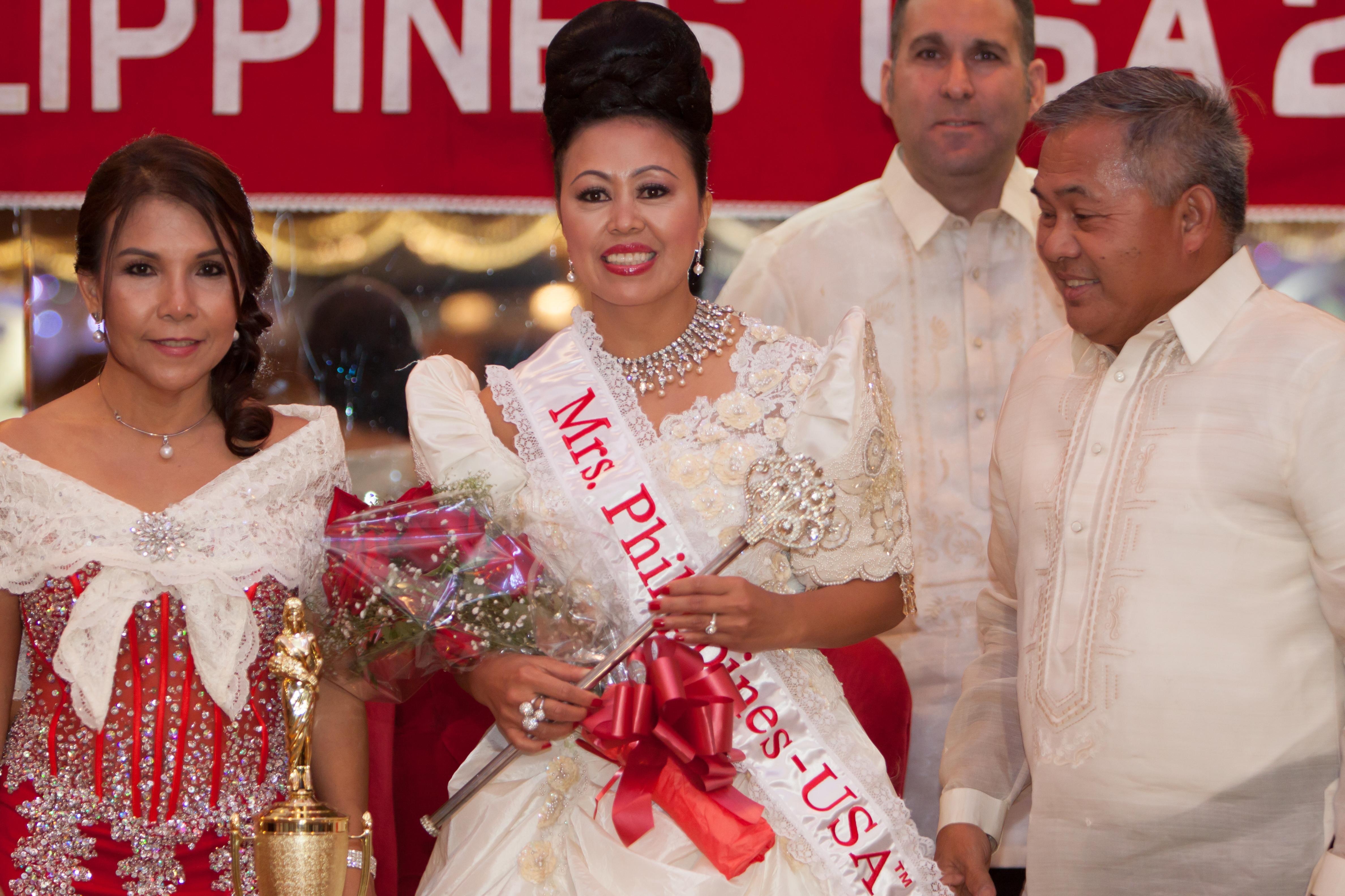 Mrs_Philippines_USAtm_2014324