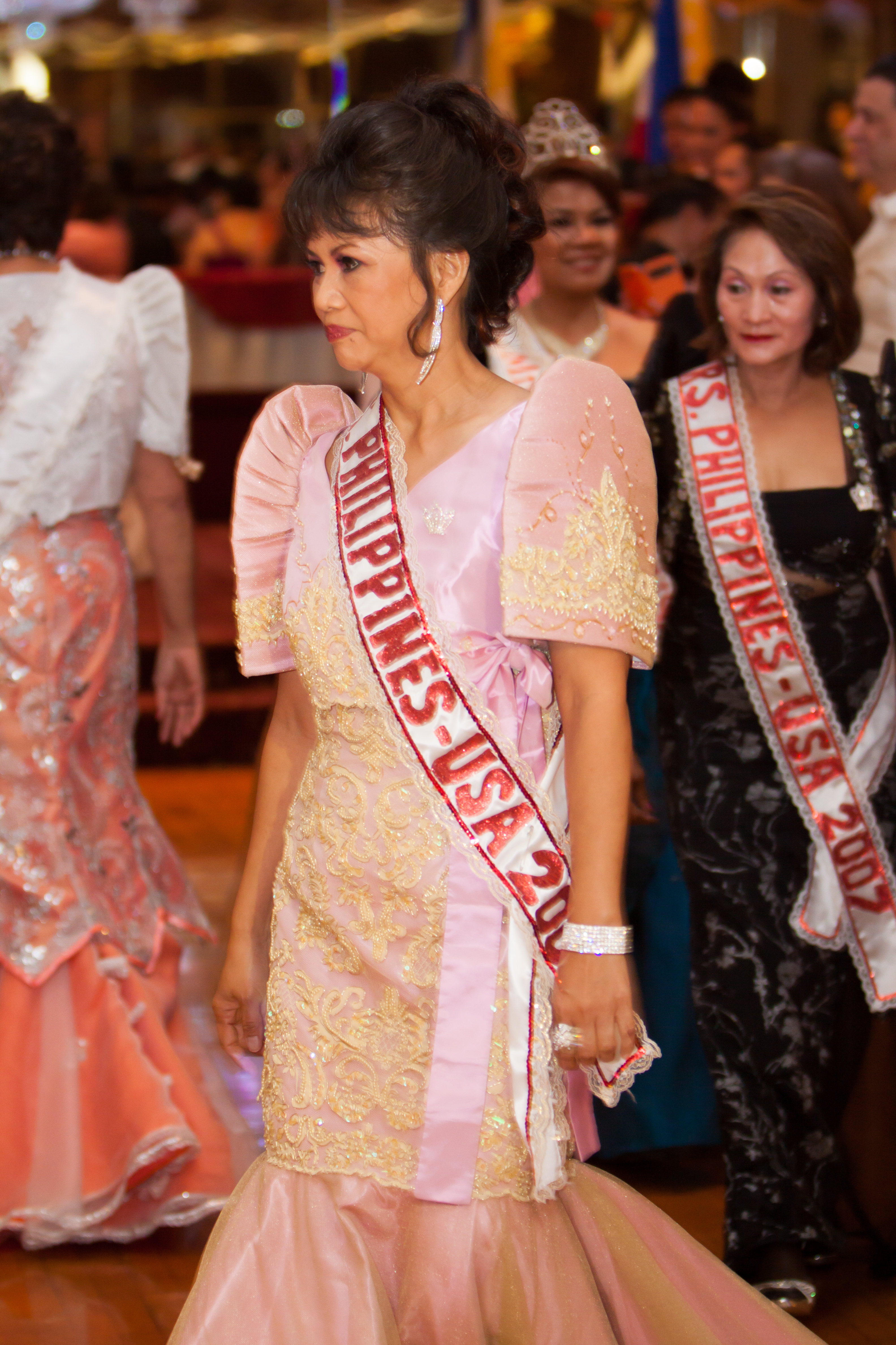 Mrs_Philippines_USAtm_2014144