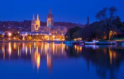 DHVA Truro Cathedral, Cornwall - photo by David Chapman, Alamy - Max Ratio