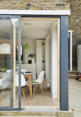 006_Remodelling and extension in South London by DHVA