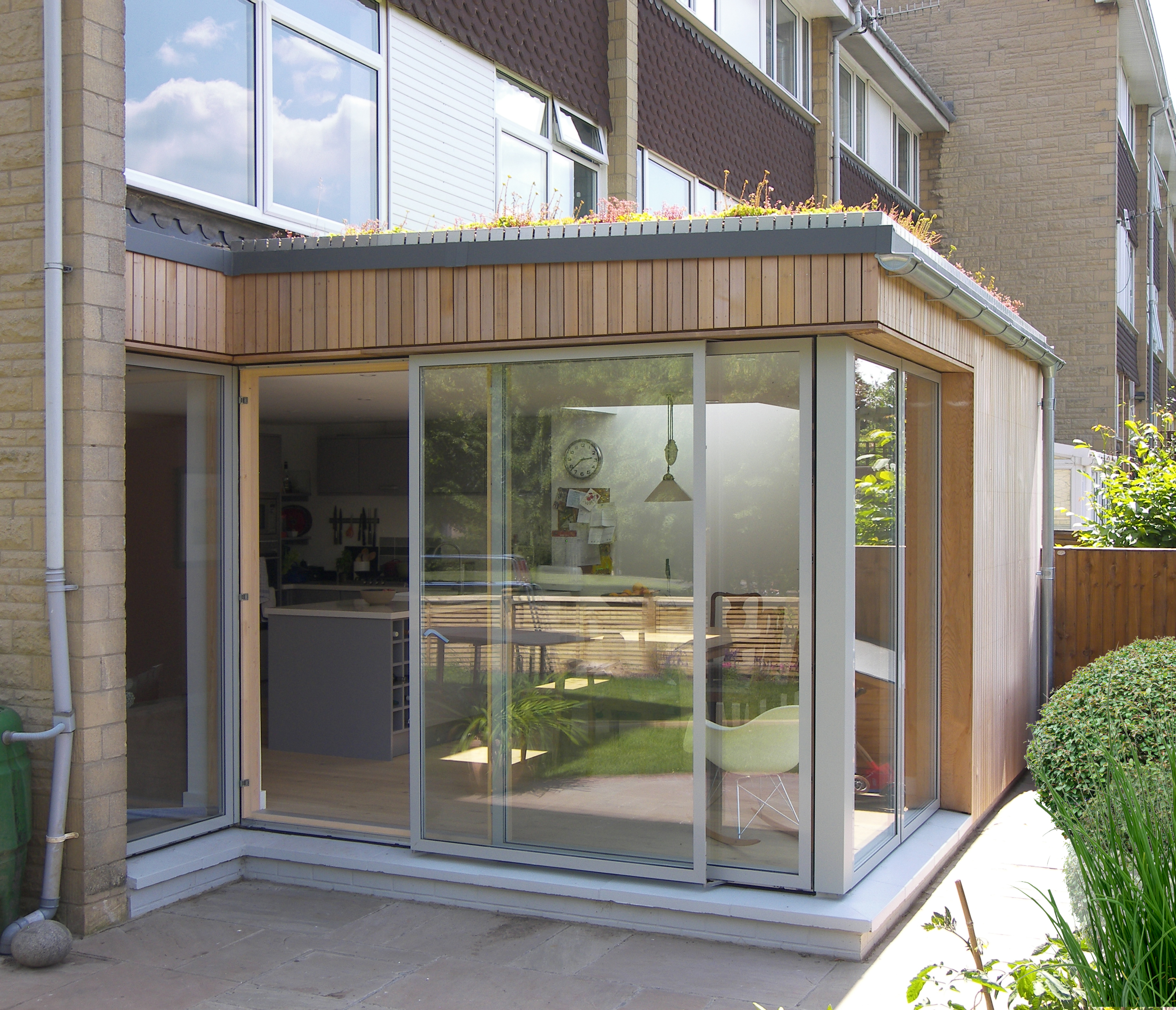 01_Eco extension to modern town house in Bristol by DHVA