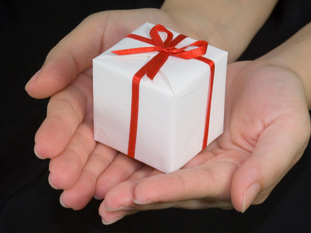4 Reasons to Change Our Perception of Re-gifting