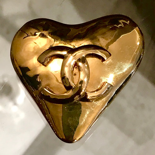 Chanel gilt heart brooch, Collection 1993
