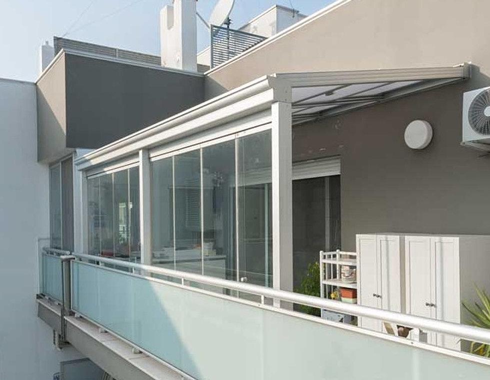 Vetrate impacchettabili frangivento toscana vivere il - Mobile per balcone ...
