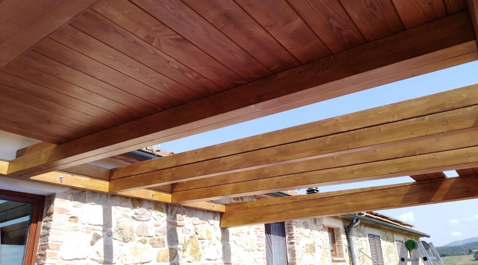 Veranda-legno-in-costruzione
