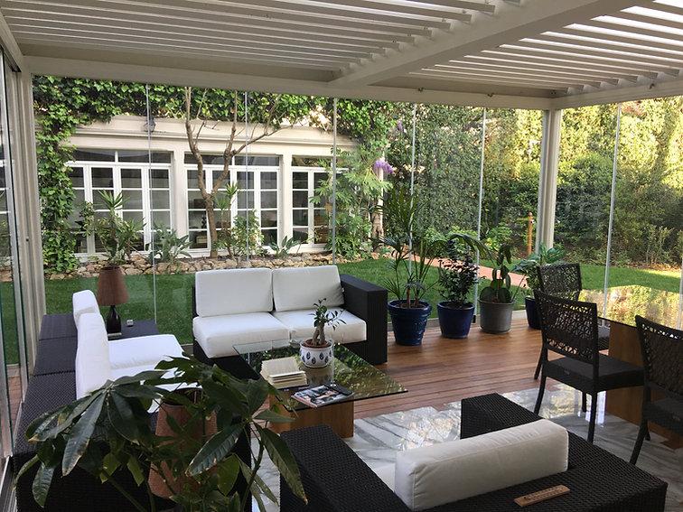 veranda-apribile-vetro-alluminio.jpg