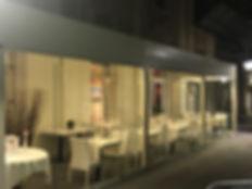 Gazebo per locali pubblici chiuso con vetrate scorrevoli