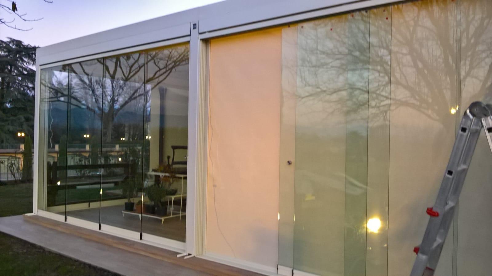 tenda filtrante con vetrata