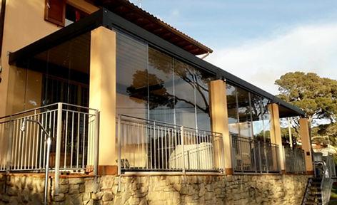 Struttura alluminio - vetrate removibili - copertura lamelle