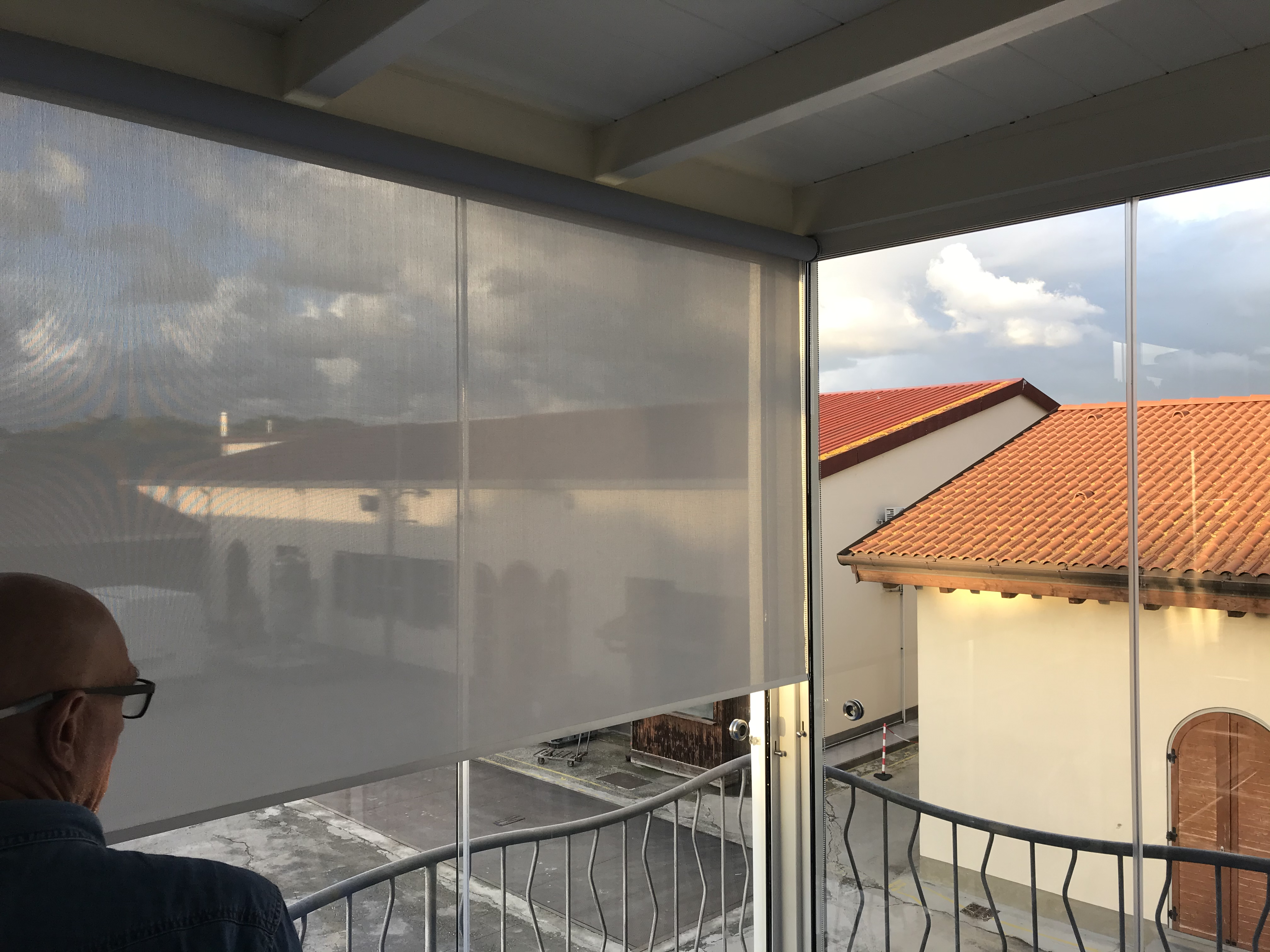 Interno-Veranda-Vetrate-Tende filtranti.