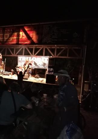 Obecenstvo a kapela
