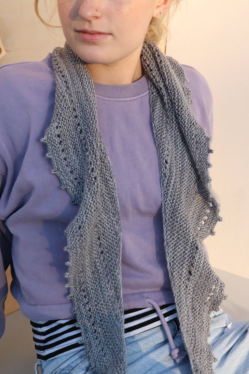 KNITTED LIGHTWEIGHT SCARF in gray