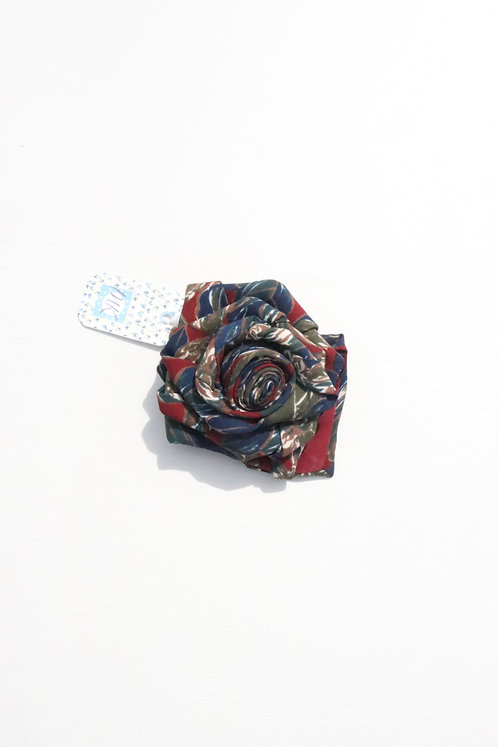 UPCYCLED FLOWER BROOCH PIN in olive/rust
