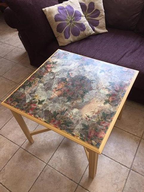 Melon & Rose Table