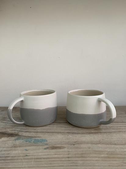 Small grey / white mug