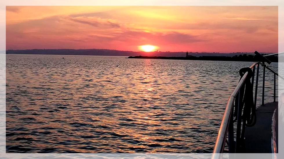 Passeio de Barco Sunset