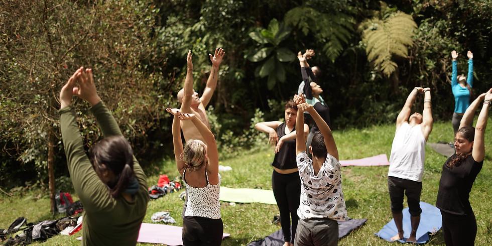 Yoga Encantando en Laguna Encantada