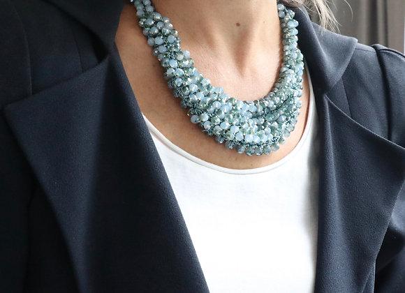 collier cristal brodé