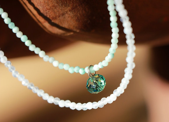 double collier swarovski vert sur pierres