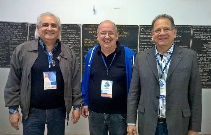 Airdem Assis (Polo do Leite),  Tiziano Franco (Turval) e Cláudio Soares (ILCT), acordo de cooperação durante a Semana do Laticinista.