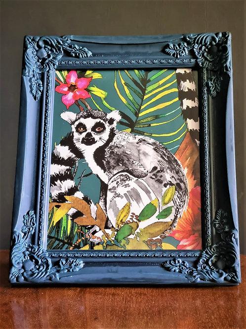 Framed lemur picture