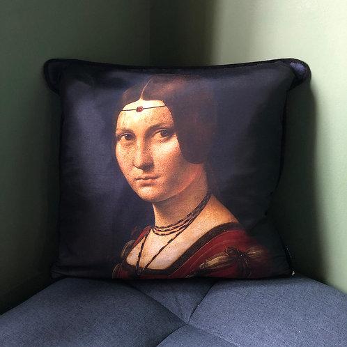 Leonardo Belle Cushion