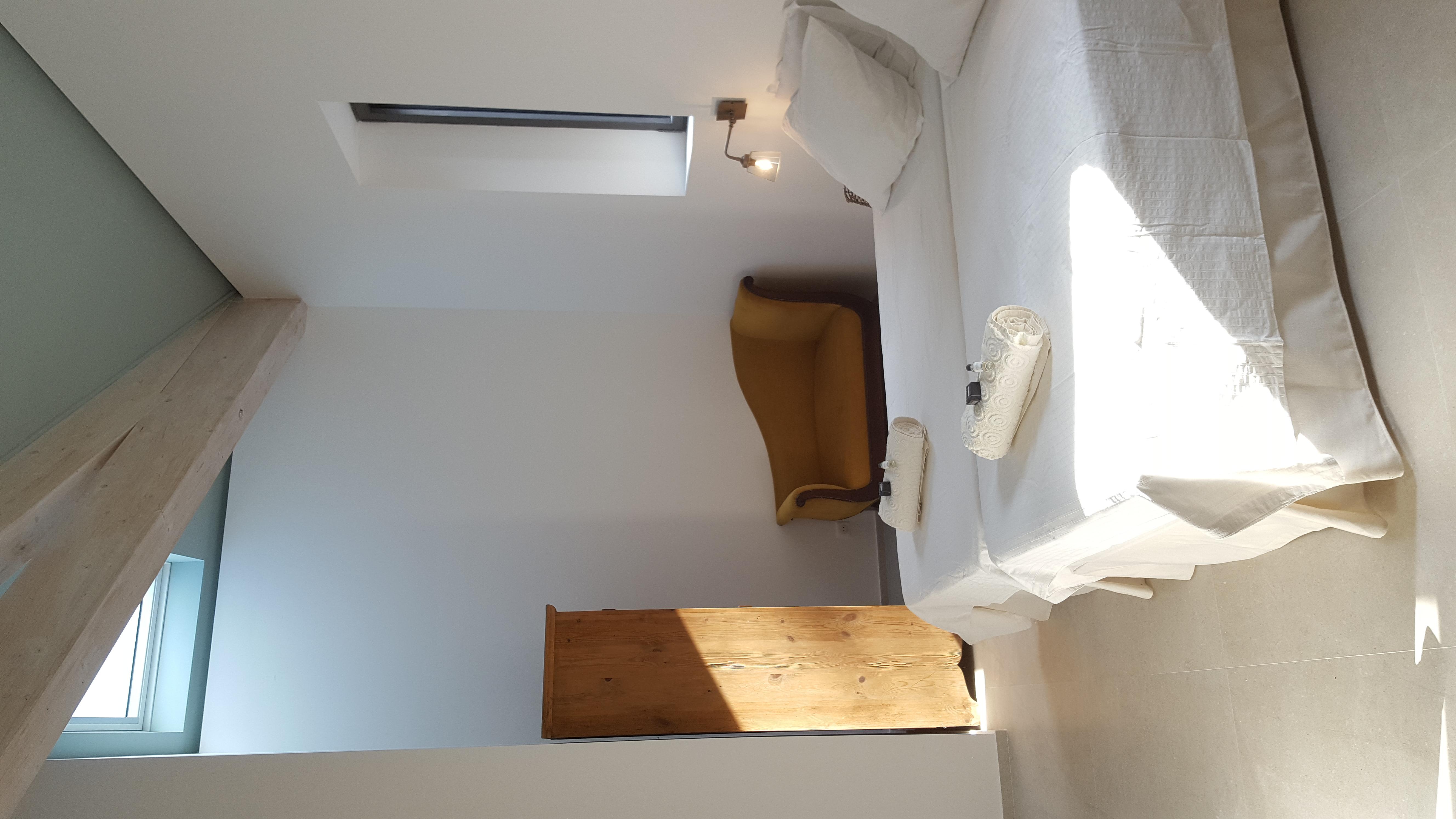 chambre 2 et son coin lecture