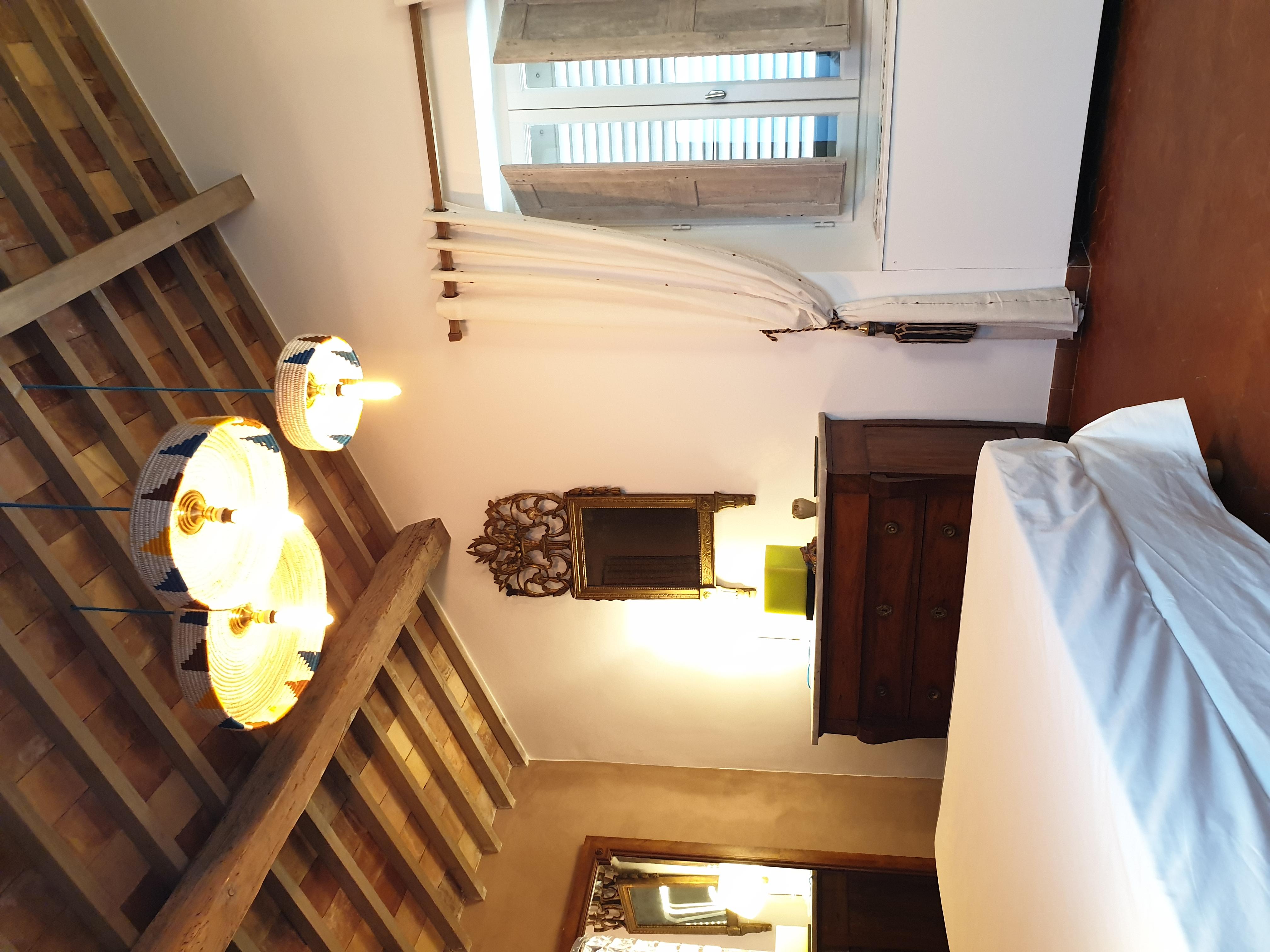chambre 1 lit en 140cm logement les Bambous