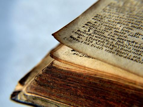 ¿Por qué algunos disfrutan el olor de los libros viejos?