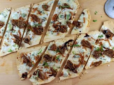 Receta de Flatbread pizza con higos y Gorgonzola