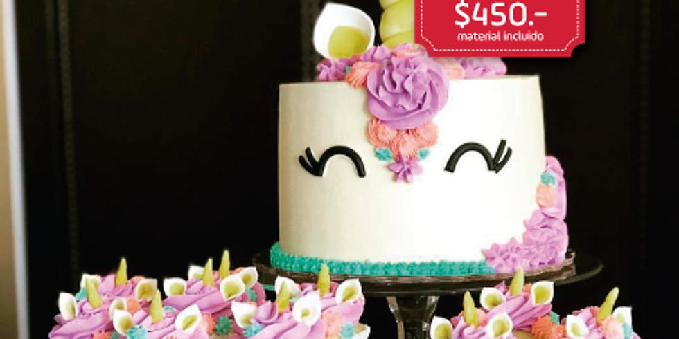 Pastel y cupcakes de Unicornio