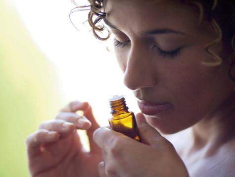 El poder de la Psicoaromaterapia y los aceites esenciales