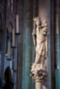 vierge pilier.jpg