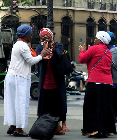 H Africaines dansent - copie.jpg