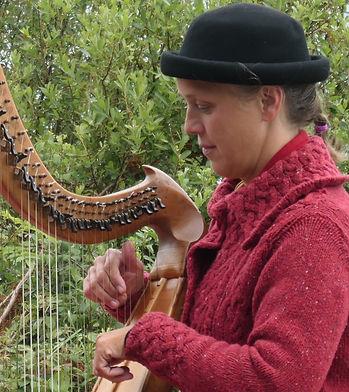 H harpiste.jpg