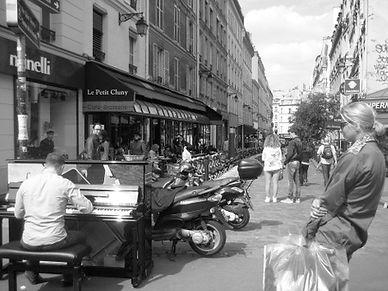 PH Piano rue - copie.JPG