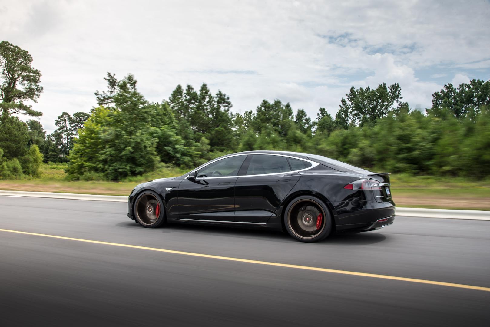 Tesla P90D - Vossen Wheels