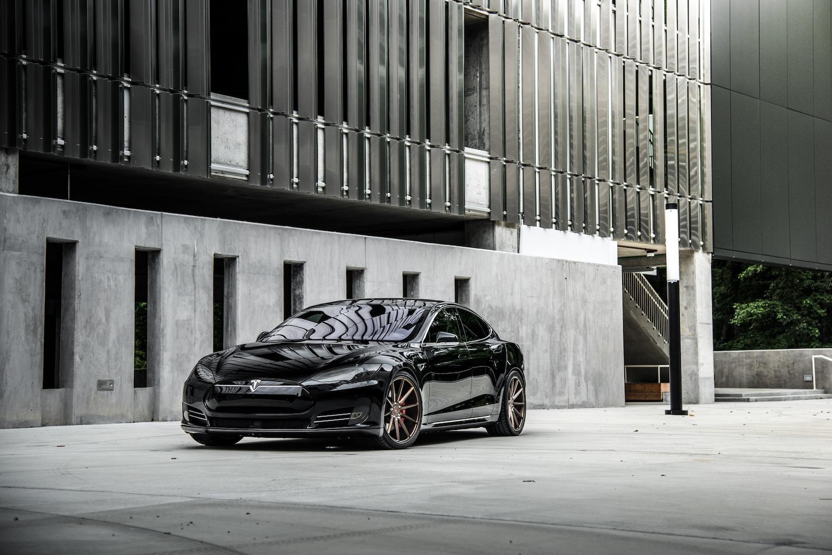 Tesla P90D- Vossen Wheels