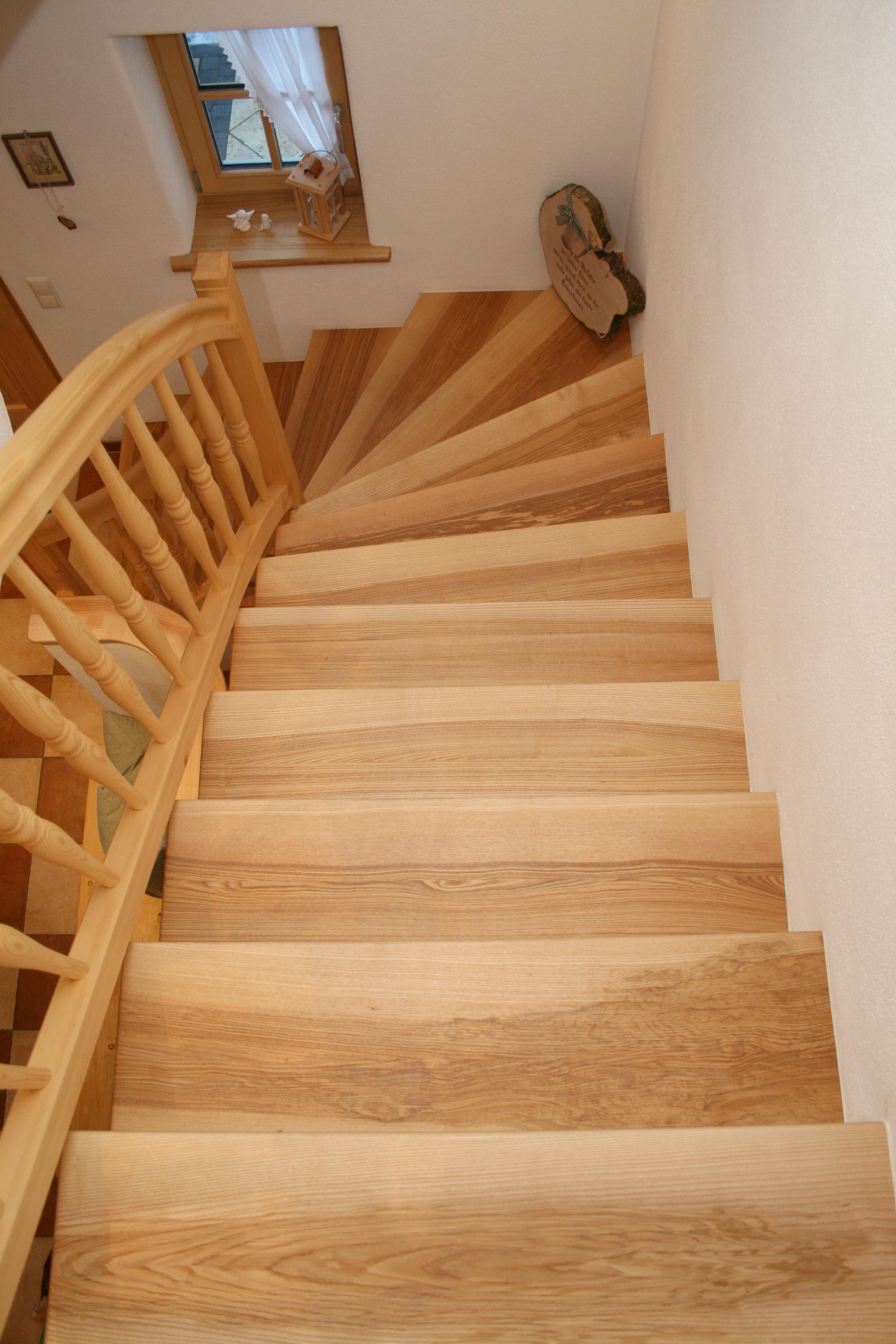 Treppe in Esche