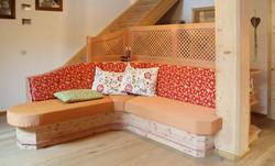 Couch mit Anrichte in Lärche