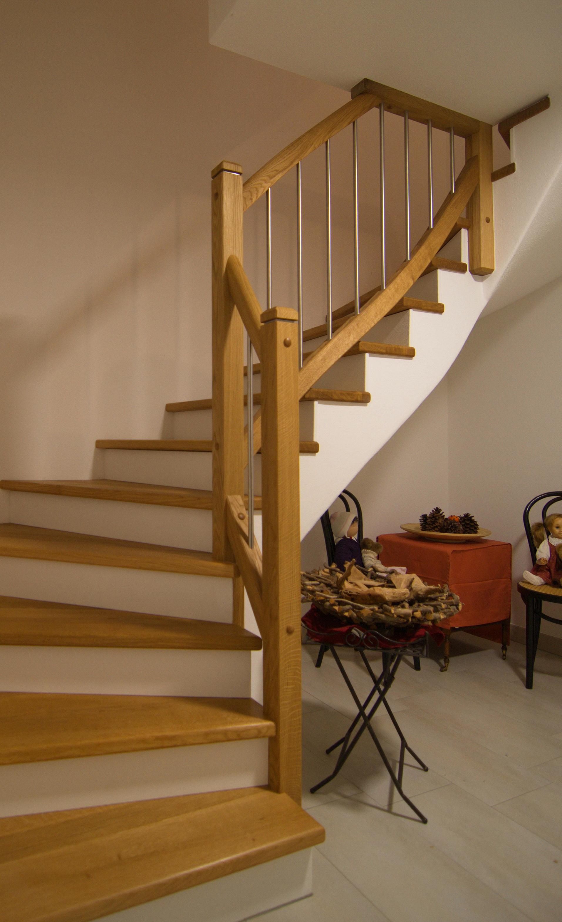 Treppe in Eiche und Edelstahl