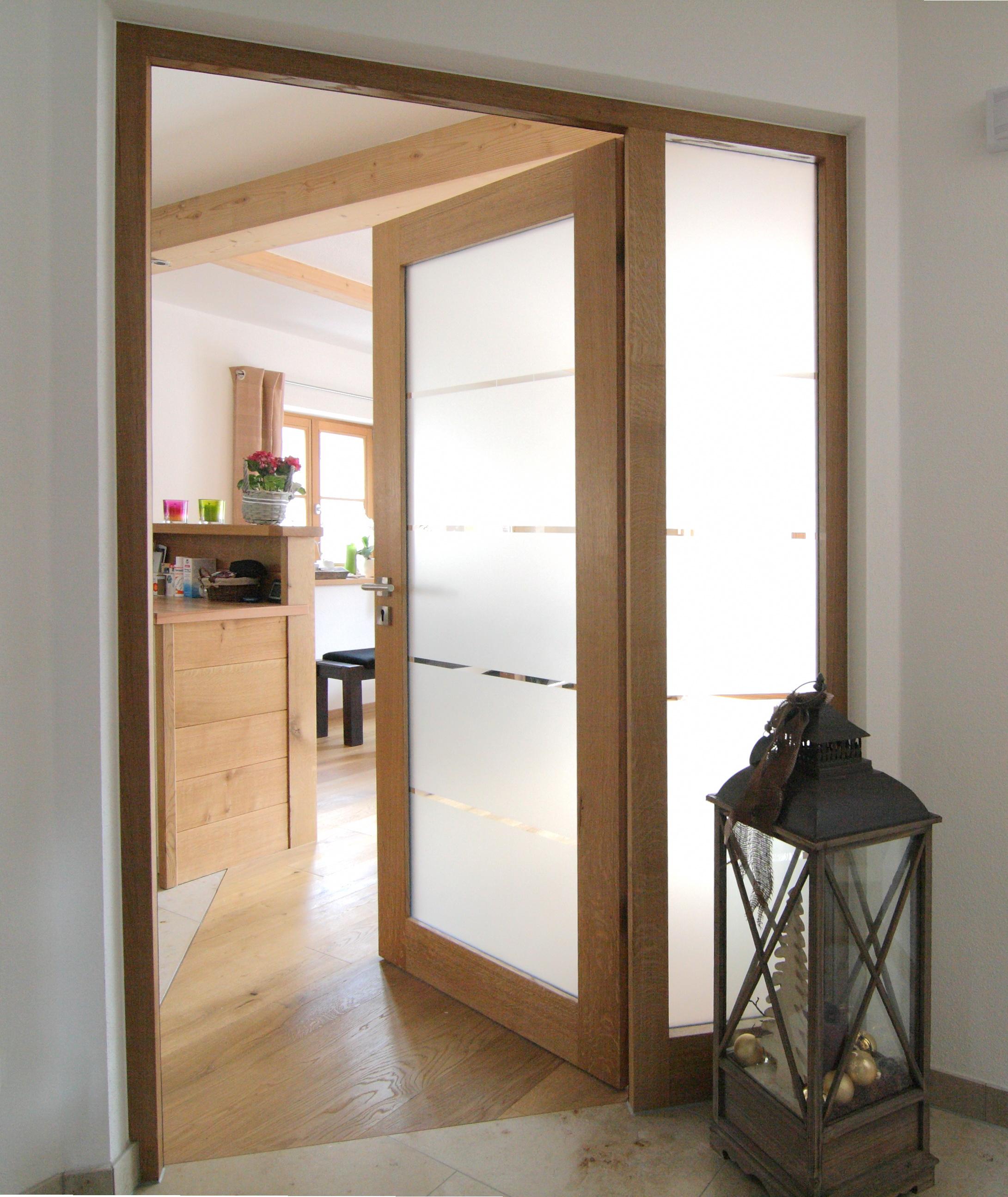 Zimmertüre mit Glasfeld