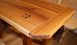 Tischchen in Rüster