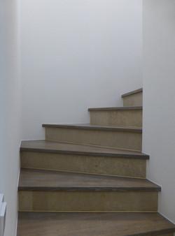 Treppe in Eiche grau geölt