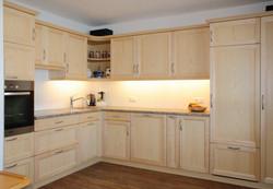 Küche in weißer Esche
