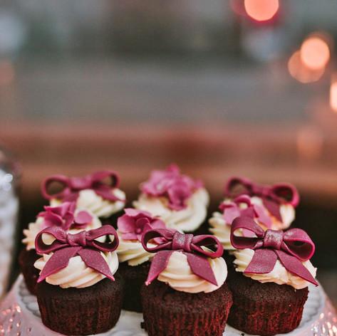 burgundy_winter_wedding (22).jpg