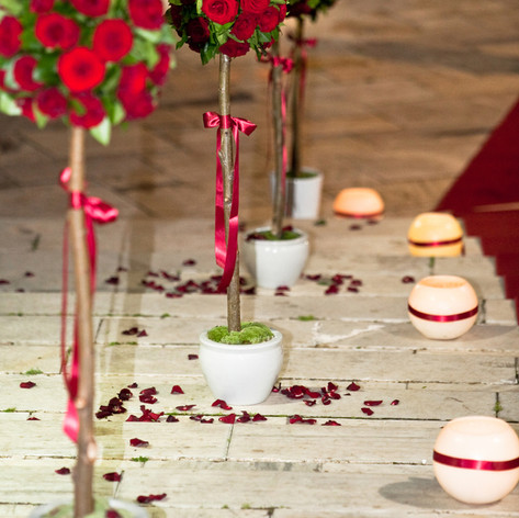 red_naomi_roses_wedding_athens (19).jpg